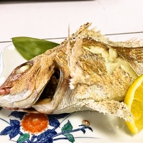 料理イメージ(しまなみの鯛塩焼き)