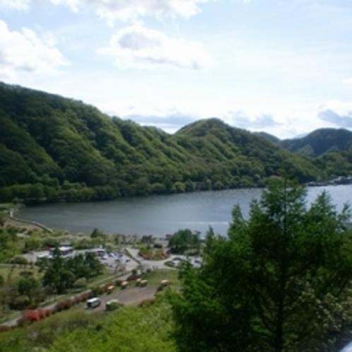 当館から車で約20分ほどで行けちゃう湖『榛名湖』