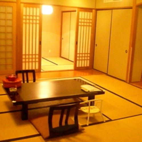 ミキハウス子育て総研様にてウェルカムベビーの宿に認定された和室10畳+4.5畳二間続きのお部屋です。
