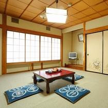 【お部屋一例】ゆっくりお寛ぎいただける和室。人数によって振り分けさせていただきます。※指定不可