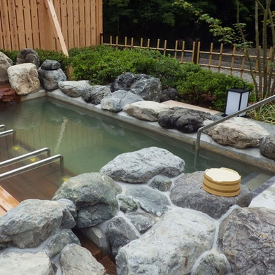 A4等級熊野牛で ステーキ と 雪平鍋で温泉しゃぶしゃぶ