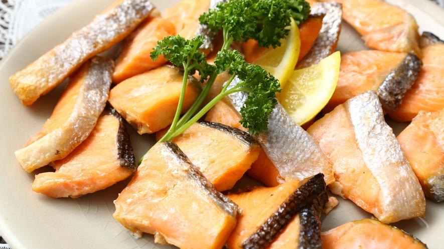 【朝食バイキング】和食の定番、焼き魚もございます