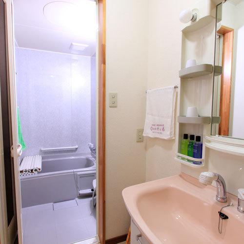 *ちょっとした洗い物にも便利☆洗面台もございます。(一例)