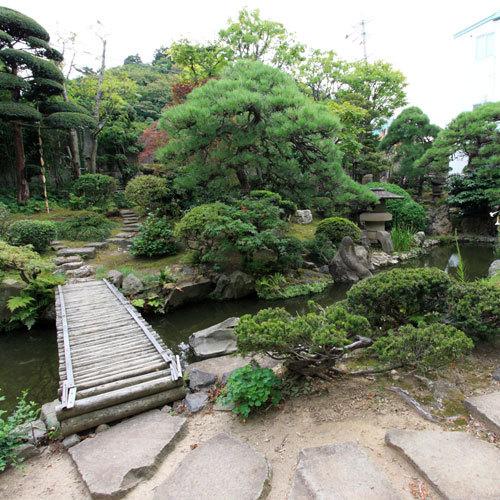 *中庭は長閑な日本庭園になっています。