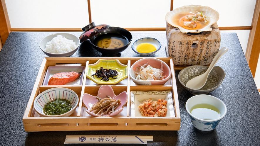 *【朝食一例】体に優しい味付けの、バランスの良い和食膳です