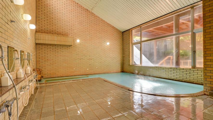 *【坪の湯~大浴場~】源泉掛け流しの湯でぽかぽかにあたたまります