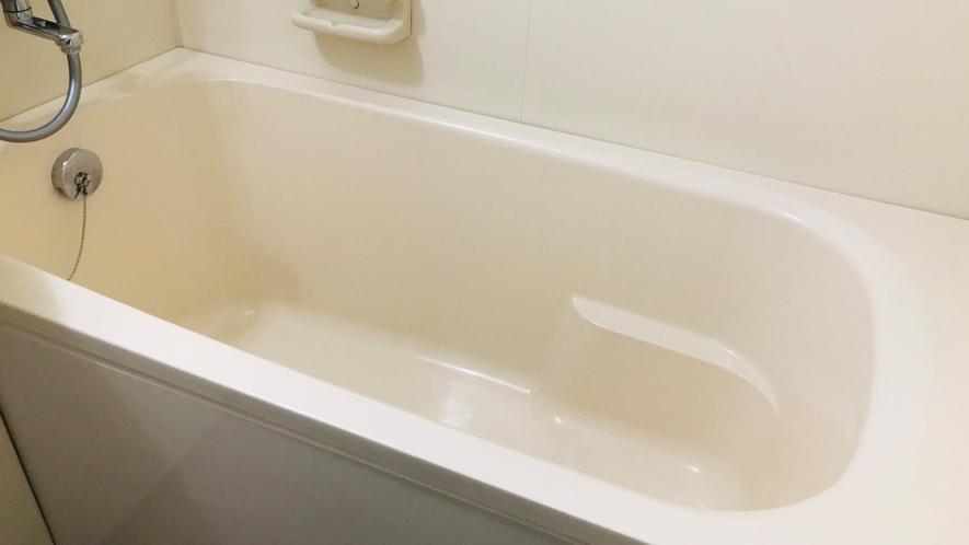 ゆったりとした浴槽です