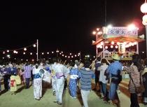 8月16日 宮津燈籠流し花火大会後の盆踊り