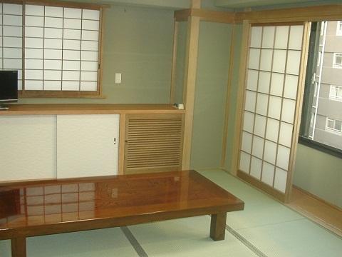 こちらも人気の和室です。1名様から5名様までご自由にご利用できます。