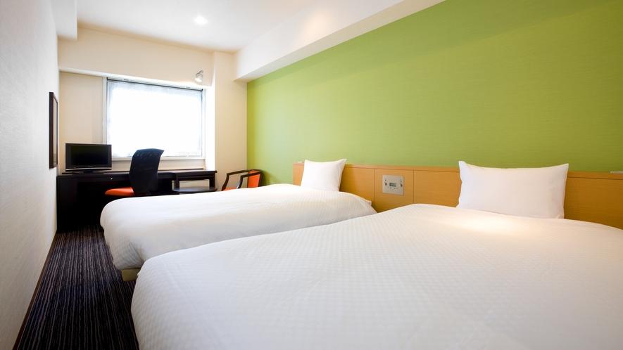 <客室>◆デラックスツイン◆ 22平米 【ベッド 120cm x 195cm】