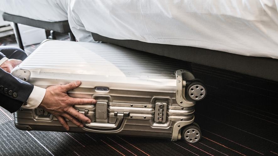 機能性を追求した客室ではスペースを有効活用。スーツケースも楽々収納