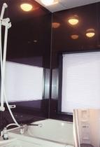 女子浴室とシャワールーム(共用)