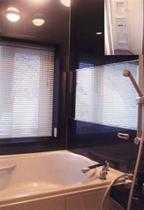 男子浴室とシャワールーム(共用)