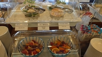 ◆朝食 サラダ・フルーツコーナー(イメージ)