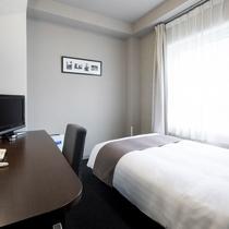 ◆シングルスタンダード◆ベッド幅123センチ◆広さ13平米◆
