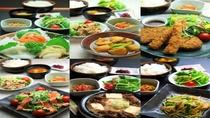 1階夕食レストラン『花々亭』18時~22時営業(ラストオーダー21時)※日曜・祝日お休み
