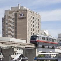 【ホテル外観】那覇空港から約10分。 那覇バスターミナルから徒歩2分、モノレール「旭橋駅」は目の前。