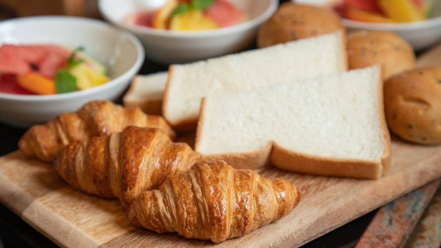 【朝食ビュッフェ】 ご連泊のお客様も飽きずにお楽しみいただけます。