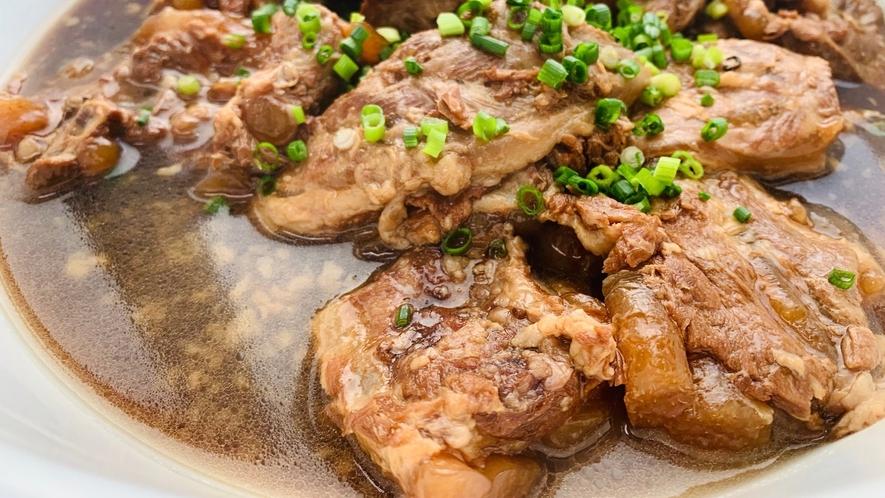 【朝食ビュッフェ】沖縄ならではの郷土料理の数々を日替わりでご用意。
