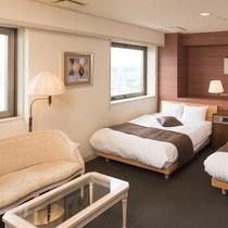 <かりん>ダブルベッド2台 ベッドまわりも広々としています!