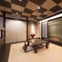 最上階<茶臼> 客室のお風呂は総ヒノキ!もちろん乃木温泉の源泉を使用しています