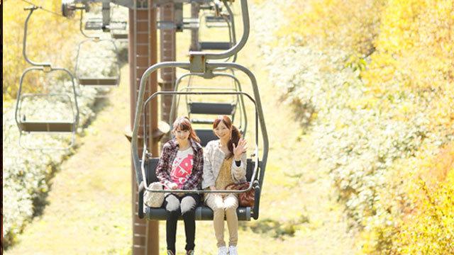紅葉の空中散歩「網張展望リフト」(秋) ※10月13日以降は8時〜15時00分、第1リフトのみの営業