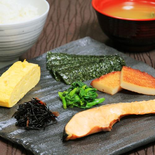 朝食(鮭定食)