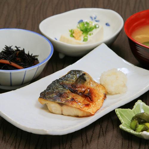 朝食(焼き鯖定食)