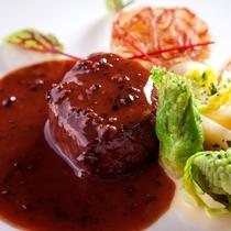 沖縄県産 和牛フィレ肉のステーキ トリュフソース