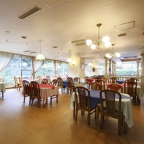 """*レストラン""""橘""""/四季の旬の食材を使った和会席料理をお愉しみください。"""