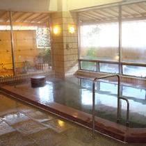 """*大浴場/四国の名湯として定評のある""""塩江温泉""""。肌にスーッと馴染むやわらかな湯をご堪能下さい。"""