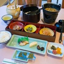 *ご朝食一例/一日を乗り切るエネルギーをまずは、朝ごはんでしっかり補給!