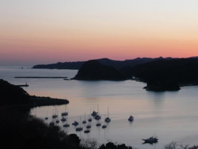日没後の下田湾