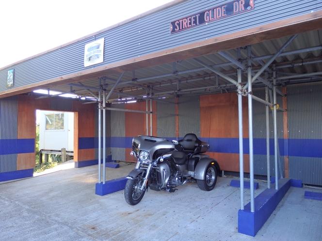 屋根付き駐車場3
