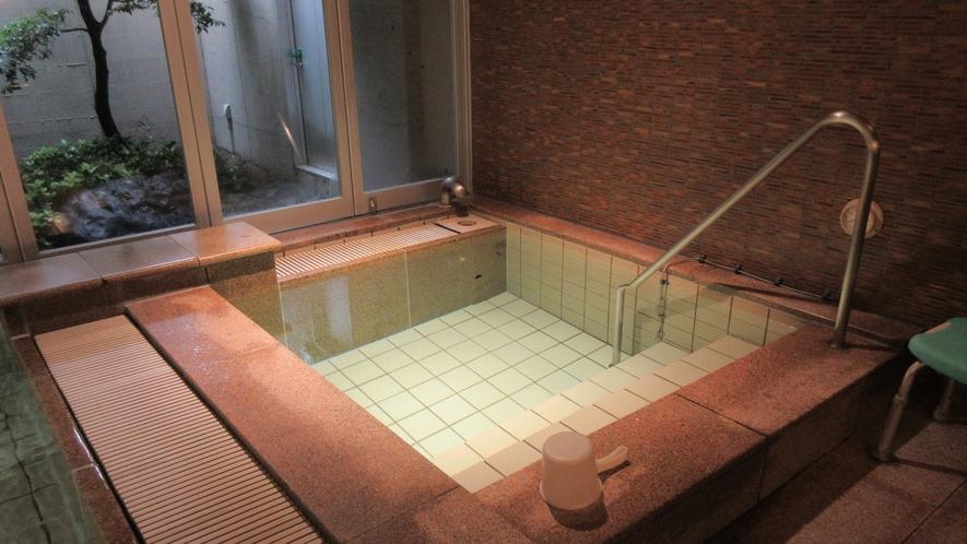 大浴場・水風呂(男性)