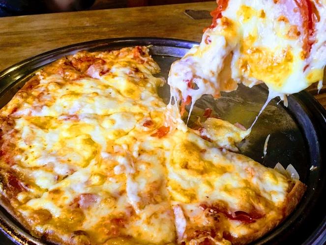 とろーりチーズピザ