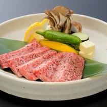 追加料理:前沢牛の陶板焼き100g(イメージ)