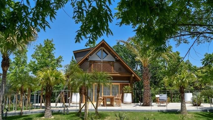 """【1日1組限定】""""Palm Terrace""""に泊まる。木々に囲まれ、特別な休日を<素泊まり>※"""
