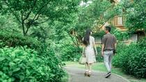 *【滞在イメージ】ホテル敷地にはたくさんの木々や草花が。風にそよぐガーデンをのんびりお散歩。