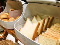 【朝食バイキング】食パン