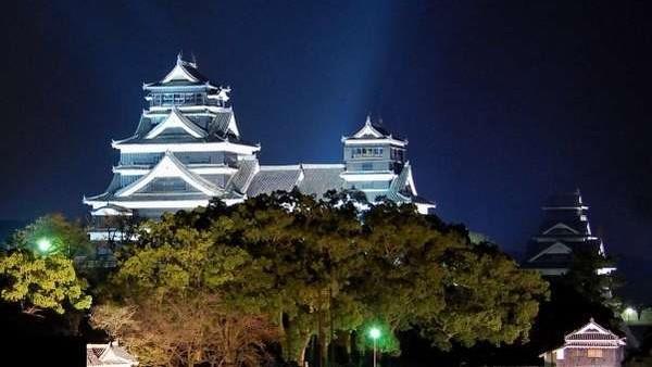 <熊本城>ライトアップ☆熊本城が見えるお部屋もございます♪