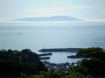 客室から望む伊豆大島
