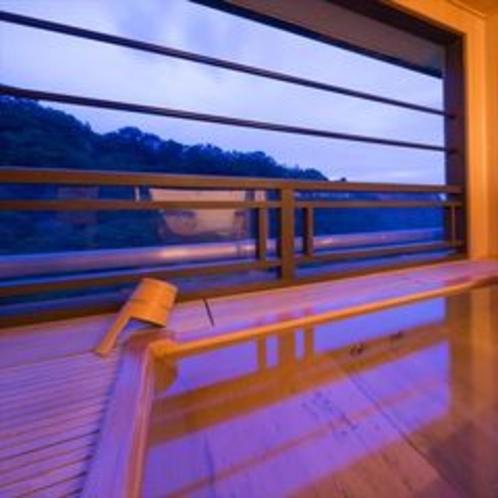 【露天風呂付客室】6階「望月」客室露天風呂