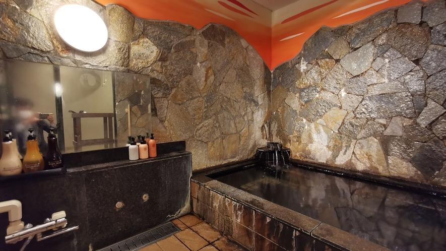 無料で予約不要の「家族風呂」も人気