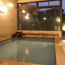 ■「永楽の湯」【男湯】源泉は宿の前、地蔵の湯。一日の量が五百万石と云われる新鮮な温泉です。