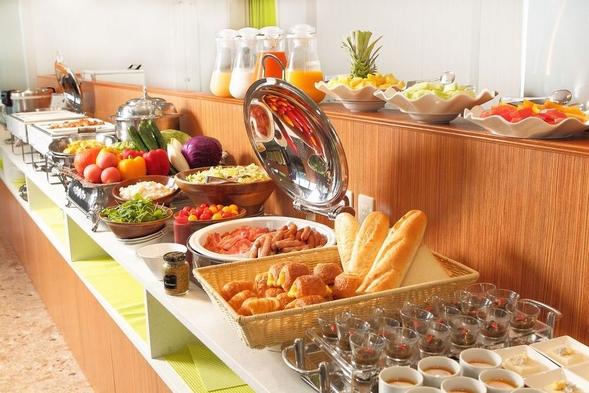 【BEST RATE】朝食付プラン★解放感抜群のレストランで、種類豊富な和洋バイキング朝食を堪能♪