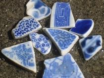 海岸の漂流物(古陶磁器)