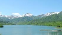 【春】笹ヶ峰・乙見湖から残雪の山々を望む・・・5月下旬の笹ヶ峰の風景です。