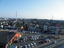 当ホテル屋上から見た景色です。目の前はスーパー銭湯極楽湯さん!