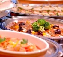 バイキング朝食は温かい家庭の味が自慢です♪